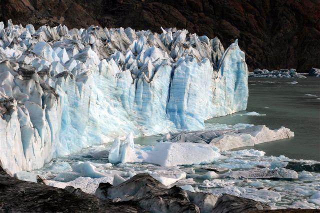 viedma-glacier-photo-by-myrna-ermrich