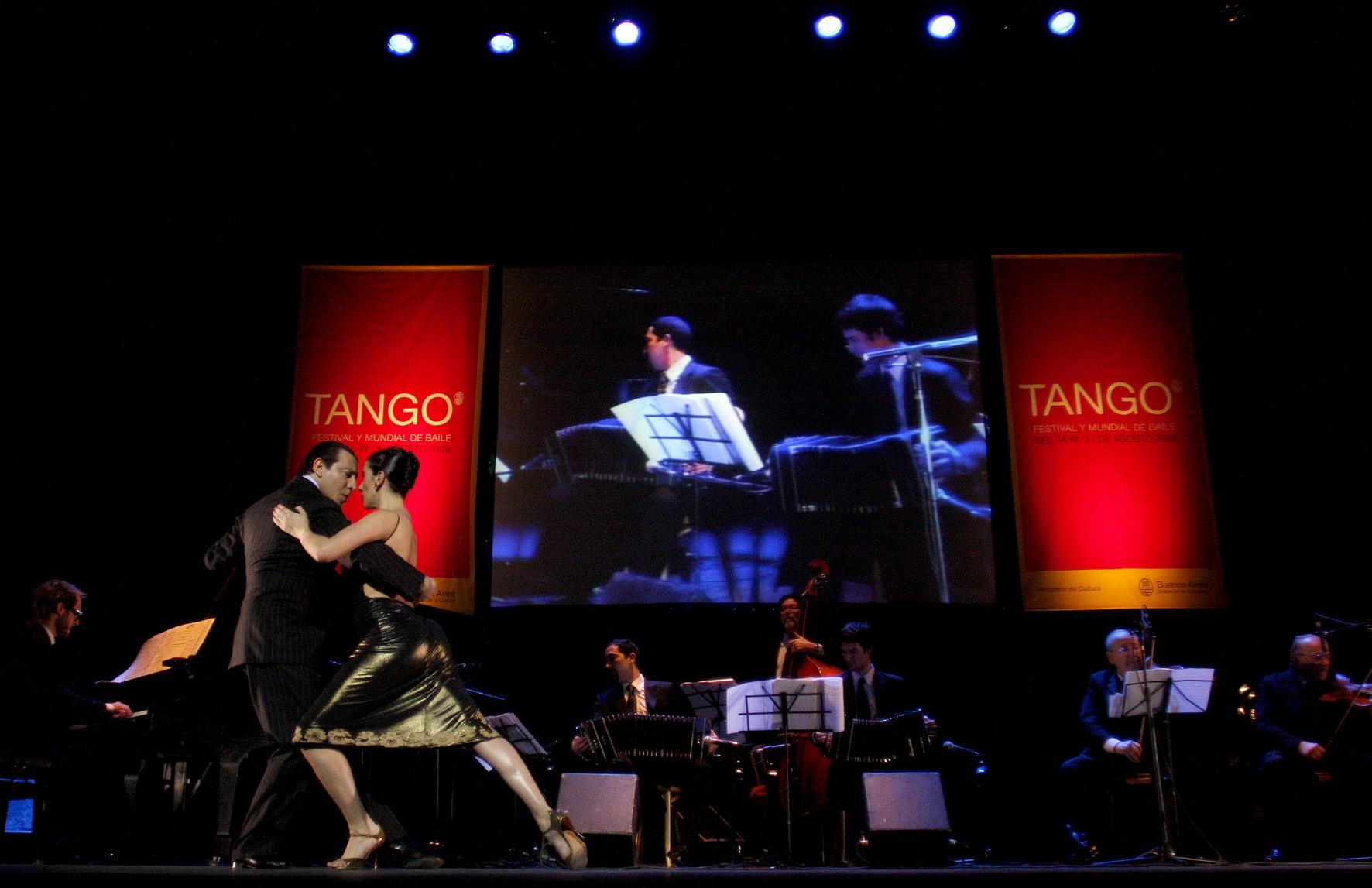 01 Sexteto Mayor - Teatro Avenida - 200909