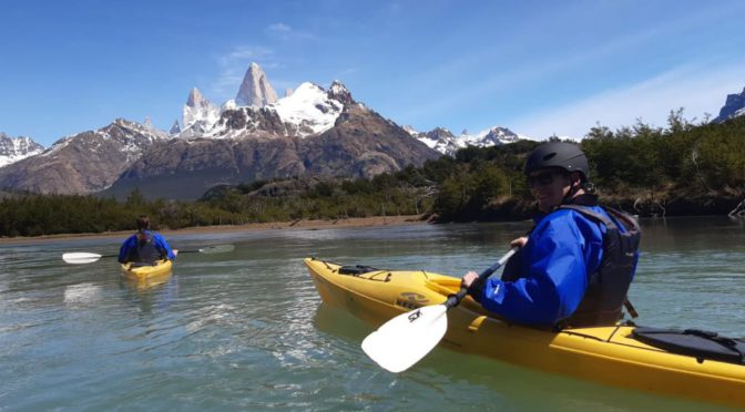 KAYAKING IN THE RIO DE LAS VUELTAS IN EL CHALTÉN